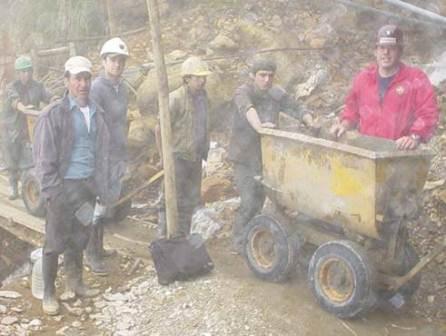 Se formalizará a 30,000 mineros de La Rinconada en Puno el mesa de trabajo informó MEM