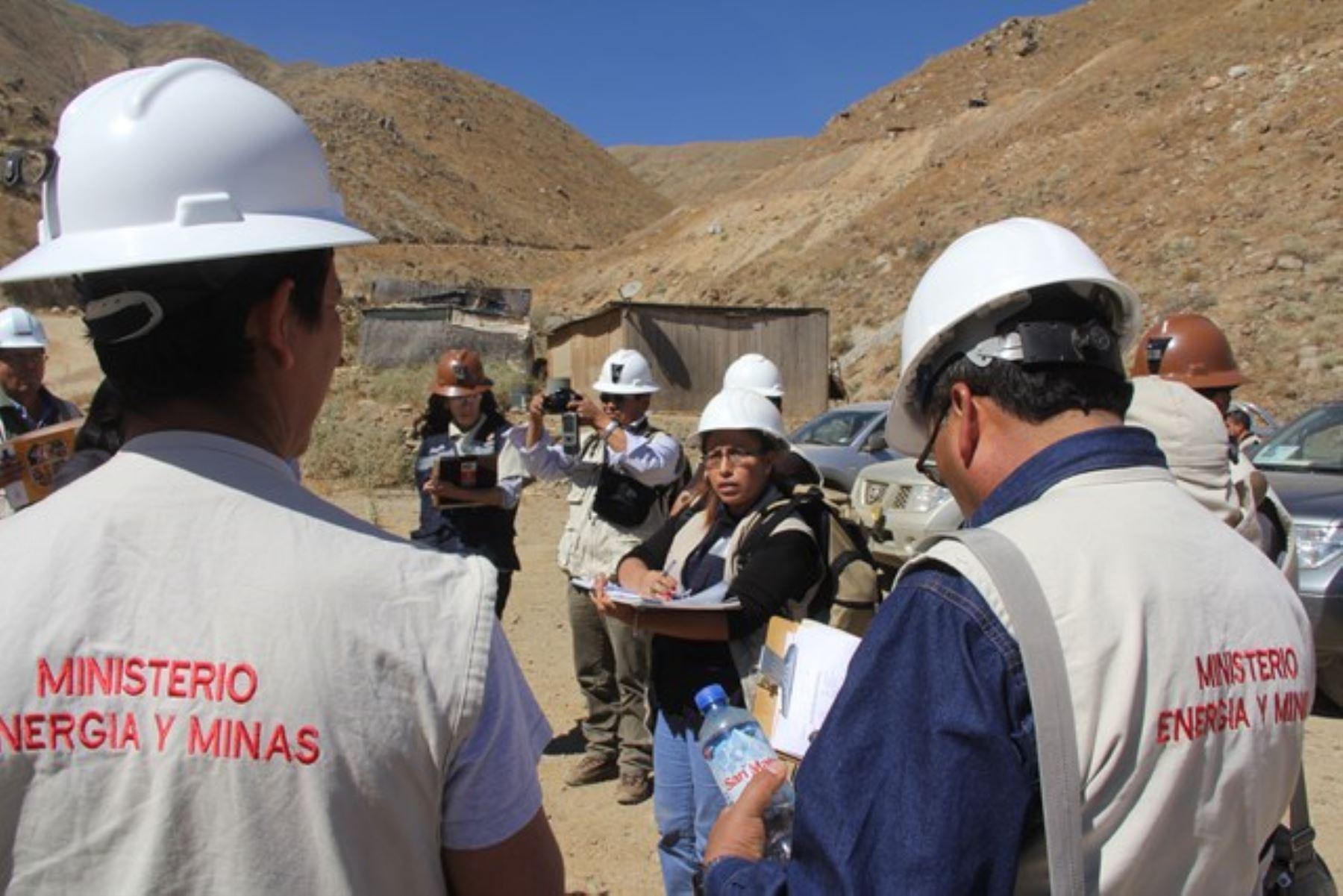 Madre de Dios: Brindan asistencia a mineros en proceso de formalización