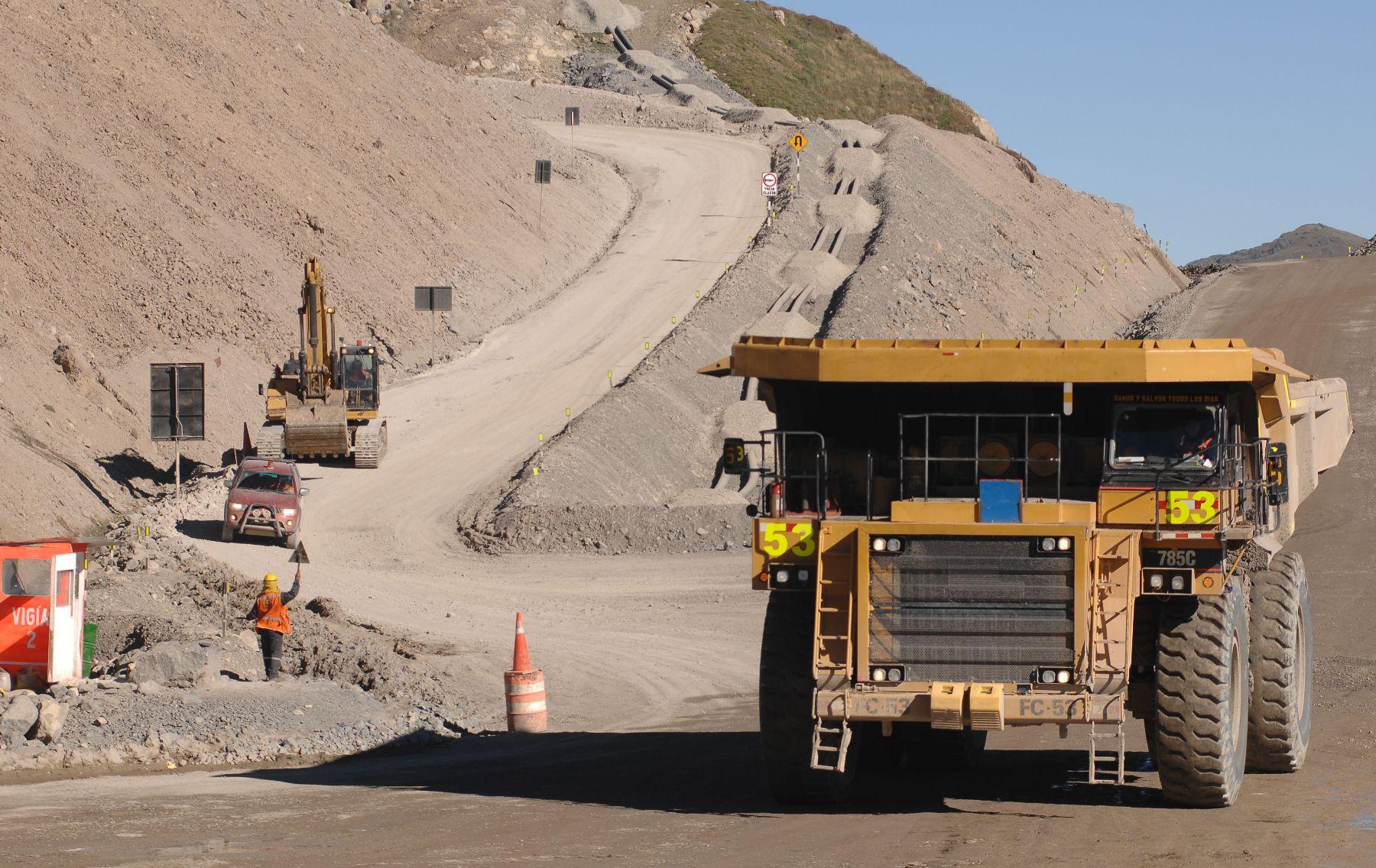 PCM: Debaten sobre la Nueva Ley de Minería